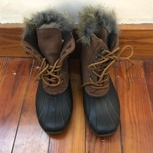 Sperry's Winter Duck Boots- fur inside